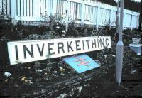Pre-British Railways run-in board with raised metal letters, photographed at Inverkeithing in August 1985.<br><br>[David Panton&nbsp;/08/1985]