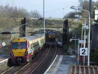 66098 and 334032 passing at Johnstone on 5th March<br><br>[Graham Morgan&nbsp;05/03/2008]