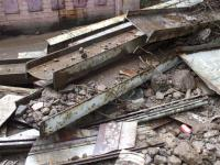 Rubble of the bridge on the ground below.<br><br>[Colin Harkins&nbsp;07/03/2008]