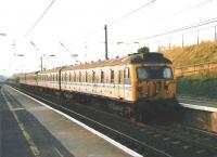 305508 forming a Haymarket - North Berwick service arrives at Musselburgh in September 1998.<br><br>[David Panton&nbsp;/09/1998]