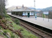 The West Highland Railway station at <I>Tyndrum</I> began life as just that in August 1894. After a subsequent spell as <I>Tyndrum Upper</I> its official name is now <I>Upper Tyndrum</I>. View looks south over the station in April 2005. (The former Callander & Oban Railway station located just to the southwest continues to carry the name <I>Tyndrum Lower</I>.)<br><br>[John Furnevel&nbsp;10/04/2005]