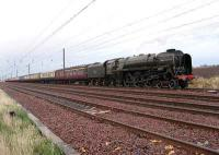 The full length of <I>The North Briton</I> seen stretching out behind 71000 <I>Duke of Gloucester</I> simmering in the down loop at Drem on 12 April 2008.<br><br>[Mark Poustie&nbsp;12/04/2008]