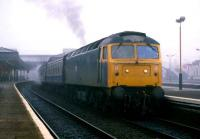 Morning fog shrouds Stirling station in late September 1985. Departing southbound is an Inverness-Glasgow Queen Street service.<br><br>[Mark Dufton&nbsp;29/9/1985]