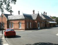 The 1882 NER Tynemouth station, seen in July 2004.<br><br>[John Furnevel&nbsp;10/07/2004]