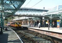 City bound train entering Tynemouth - 0704.<br><br>[John Furnevel&nbsp;/07/2004]