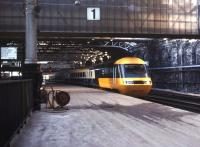 An immaculate looking HST stands at Waverley platform 1 in October 1978.<br><br>[John Furnevel&nbsp;07/10/1978]