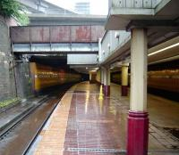 Looking east into the start of Anderston tunnel on 9 August 2008. One mile and 1100 yards to the former Glasgow Green station.<br><br>[David Panton&nbsp;09/08/2008]