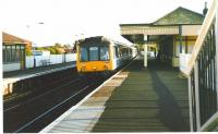 117 313 stops at Dalmeny in October 1998 with a service to Cowdenbeath.<br><br>[David Panton&nbsp;/10/1998]