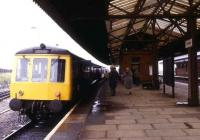 A DMU bound for Birmingham Moor Street calls at Tyseley in August 1980.<br><br>[Ian Dinmore&nbsp;27/08/1980]