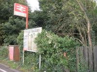 Despite the fact that Croxley Green station is closed, there is still a sign (of sorts).<br><br>[Michael Gibb&nbsp;25/09/2008]