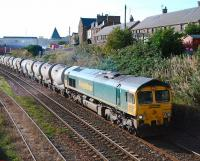 Freightliner 66609 on a northbound Oxwellmains-Aberdeen cement train passing Arbroath on 2 October.<br><br>[Sandy Steele&nbsp;02/10/2008]