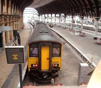 North facing Platform 8 at York, usually used for Harrogate line services, sees 150276 and 150222 lying idle on a Sunday morning. <br><br>[Mark Bartlett&nbsp;12/10/2008]