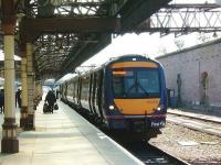 A Perth - Inverness service waits to leave platform 7 on 1 May 2007.<br><br>[David Panton&nbsp;01/05/2007]