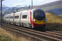A London Euston - Glasgow Central Virgin Pendolino service at speed on the approach to Lamington on 28 October 2008.<br><br>[Bill Roberton&nbsp;28/10/2008]