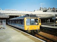 With a thumbs-up from the driver, a Fife Circle train pulls out of platform 17 at Waverley in May 1997.<br><br>[David Panton&nbsp;/05/1997]