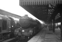 V2 no 60919 with the ubiquitous <I>Scottish Rambler No 5</I>, seen at Buchanan Street on 9 April 1966. The V2 made it as far as Falkirk Grahamston where valve-gear problems resulted in its replacement by D6115, which took the train on to Dunfermline Lower.<br> <br><br>[K A Gray&nbsp;09/04/1966]