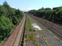 The main line platforms at Rutherglen, looking south on 1 June 2009. These platforms were abandoned in 1979.<br><br>[David Panton&nbsp;01/06/2009]