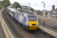 Power car 43320 leads an Aberdeen-London Kings Cross HST service through Kinghorn on 4 June.<br><br>[Bill Roberton&nbsp;04/06/2009]