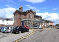 The exterior of Stonehaven station, seen from the carriage drive on 18 June 2009. [See image 20020 to play '<I>spot the changes over ten years.</I>'] <br> <br><br>[David Panton&nbsp;18/06/2009]