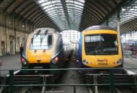 Trains for London Kings Cross and Manchester Piccadilly preparing to leave Hull on 23 April 2009.<br><br>[John Furnevel&nbsp;/04/2009]