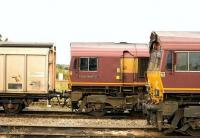 66077 <I>Benjamin Gimbert GC</I> passing 66168 at Didcot on 18 August<br><br>[Peter Todd 18/08/2009]