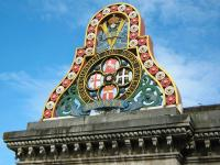 The <b>magnificent <b/> crest of the London, Chatham and Dover Railway on Blackfriars Bridge, London, in the summer of 2009.<br><br>[Alistair MacKenzie 23/08/2009]