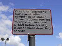 Glenrothes with Thornton platform 2, notice to drivers, 22 Aug 2009<br><br>[David Panton&nbsp;22/08/2009]
