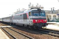 167442 arrives at Saintes with a train for Niort on 8 September. <br> <br><br>[Peter Todd&nbsp;08/09/2009]