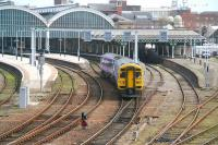 The 1325 to Doncaster leaves the south side of Hull station in April 2009, formed by Northern trains 158850.<br> <br><br>[John Furnevel&nbsp;23/04/2009]