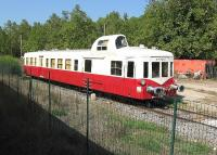 Currently stored out of service, at the Besse sur Issole depot of L'Association du Train Touristique de Centre Var (ATTCV), is <I>Picasso</I> No 3976, built in 1956. The strange appendage set into the roof is the single driving cab where the driver sits sideways facing a single set of controls. <I>Picasso?</I> Well just look at one of his paintings and then again at this wonderfully quirky piece of rolling stock.<br><br>[Malcolm Chattwood&nbsp;23/09/2009]