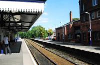 Platform scene at Knutsford in September 2009, looking north east towards Altrincham.<br><br>[Ewan Crawford&nbsp;10/09/2009]