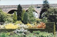 Say what you like about the S&D, they certainly looked after the trackside. Ahem. Kilver Court gardens certainly make Charlton viaduct more Serene and Delightful than Slow and Dirty. Well worth a visit (the viaduct can be walked over only on special occasions).<br><br>[Ken Strachan&nbsp;24/05/2009]
