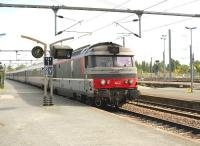 167442 arriving with a train at La Rochelle on 9 September 2009.<br><br>[Peter Todd&nbsp;09/09/2009]