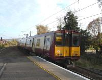 314 202 pulls into Langside (once known as Langside & Newlands) with an Outer Circle service on 28 October 2009<br><br>[David Panton&nbsp;28/10/2009]