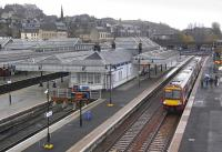 170 477 at Stirling on 16 November, having arrived with a service from Alloa.<br><br>[Bill Roberton&nbsp;16/11/2009]