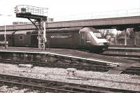 HST 43128 arrives at Temple Meads from the south in November 2009.<br><br>[Peter Todd&nbsp;11/11/2009]