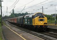 The Class 40 Preservation Society's 40145 arives at Leyland on 23 May 2009 with a Compass Tours special heading to Edinburgh via the Settle & Carlisle line.<br><br>[John McIntyre&nbsp;23/05/2009]