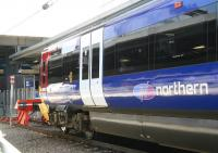 A Northern class 333 emu at the buffer stops at Leeds in April 2009<br><br>[John Furnevel&nbsp;22/04/2009]