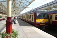 All platforms occupied at Helensburgh Central on 20th April 2008.<br><br>[Colin Miller&nbsp;20/04/2008]
