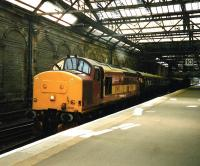 EWS 37 413 eases <I>The Royal Scotsman</I> over the scissors crossover and into the old Platform 10 in July 1999.<br><br>[David Panton&nbsp;/07/1999]