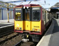 314205 prepares to leave Gourock for Glasgow Central on 2 April 2010<br><br>[Veronica Inglis&nbsp;02/04/2010]