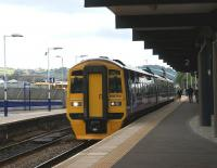 158754 enters Blackburn station with a Blackpool North to York <br> service on 17 July 2010.<br> <br><br>[John McIntyre 17/07/2010]
