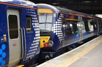 156 and 170 units face to face at Edinburgh Waverley on 4 September 2010.<br><br>[Bill Roberton&nbsp;04/09/2010]
