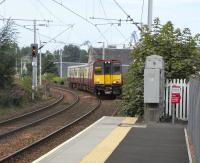 314 208 approaches Port Glasgow with a Gourock to Glasgow service on 1 September 2010<br><br>[David Panton&nbsp;01/09/2010]