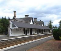 Dunkeld's station building is long out of rail use, but it has an <br> occupier and is maintained in fine order, as can be seen in this study of 20 September.� When the station opened it was the end of the line for 7 years and had an overall roof.  This can still be imagined from the substantial wall, now supporting the canopy, which would once have been replicated on the other platform.<br><br>[David Panton&nbsp;20/09/2010]