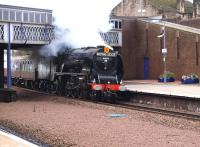 6233 <I>Duchess of Sutherland</I> hurries through Larbert on 2 October with the 1Z69 Stafford - Stirling <I>Royal Scot</I> special.<br><br>[Brian Forbes&nbsp;02/10/2010]