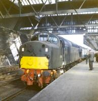 D276 at Perth with the 9-coach BR <I>Scottish Grand Tour No 2</I> on 27 May 1967.<br><br>[Jim Peebles&nbsp;27/05/1967]