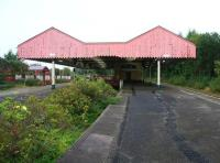 The overgrown central bay platform at Oldham Mumps station on 28 September 2009. The station was closed completely the following month due to the conversion of the line to Metrolink. It had been demolished by May 2010. The station canopy was bought by the East Lancashire Railway who hope to erect it at Bury Bolton Street station.<br> <br> <br><br>[Ian Dinmore&nbsp;28/09/2009]