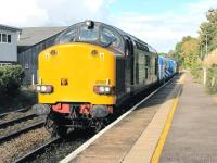 DRS 37069 is one of a pair of 37s with a weedkilling train at Brundall in September 2009.<br><br>[Ian Dinmore&nbsp;/09/2009]
