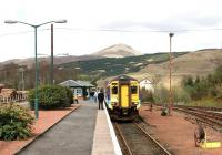 A morning DMU from Oban, bound for Glasgow Queen Street, shortly after arrival at Crianlarich on 16 April 2005.<br><br>[John Furnevel&nbsp;16/04/2005]